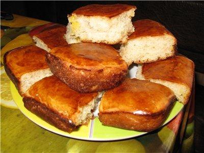 Ніжні булочки на яблучному соці з начинкою