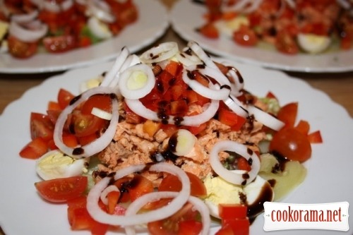 Salad with canned salmon