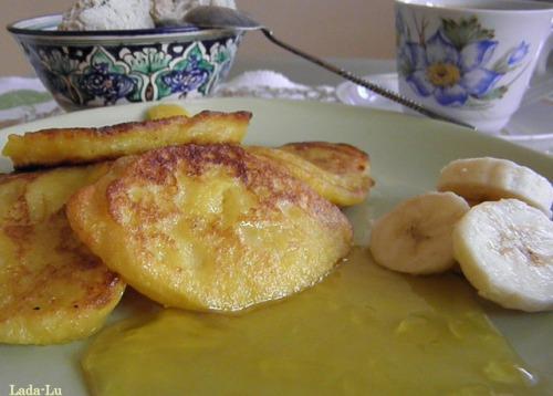 Тыквенные оладьи с вареньем из одуванчиков на завтрак