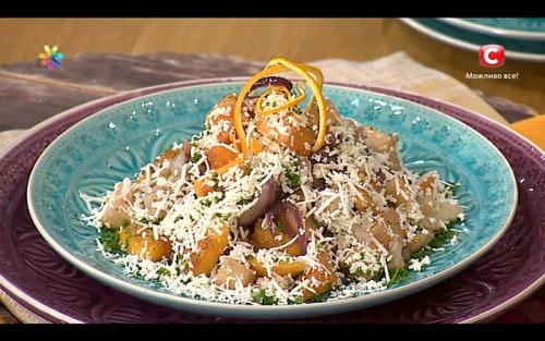 Теплый салат с апельсиновым маслом