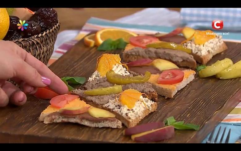 Полезные бутерброды: куринная печень с карамелизированными фруктами