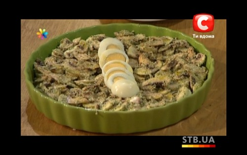 Салат из грибов, орехов и меда от Эктора Хименес-Браво