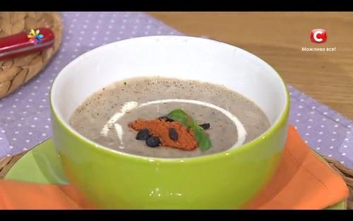 Суп в сезон простуд с кольраби и барбарисом
