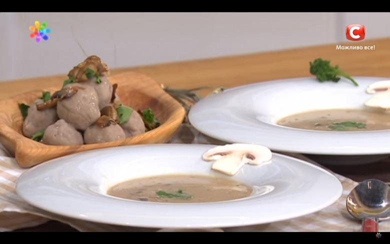 Рецепты на скорую руку: грибная юшка от Константина Грубича
