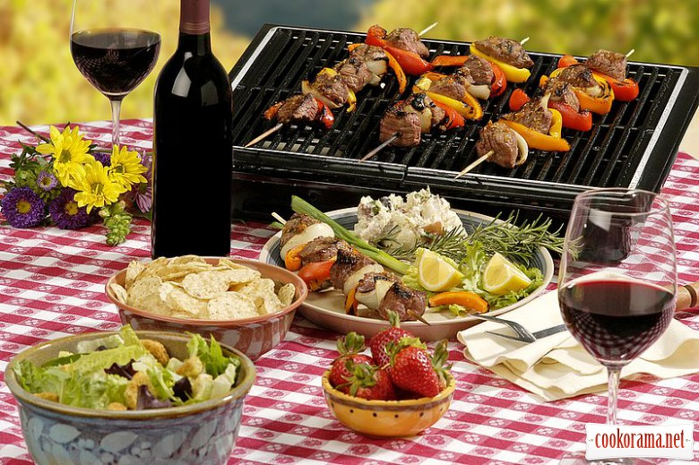 Топ необходимых вещей на пикнике - собираемся за 10 минут.