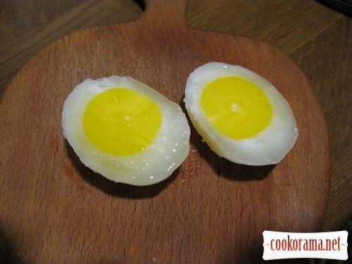 Міні глазунья або як зробити чотири глазуньї з одного яйця : )