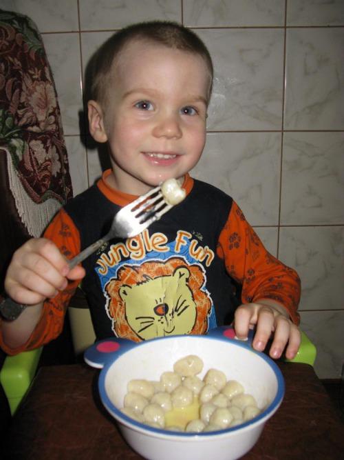 """Найпростіше тісто, """"Колобки""""  або """"Капітошки"""" з нього : )"""