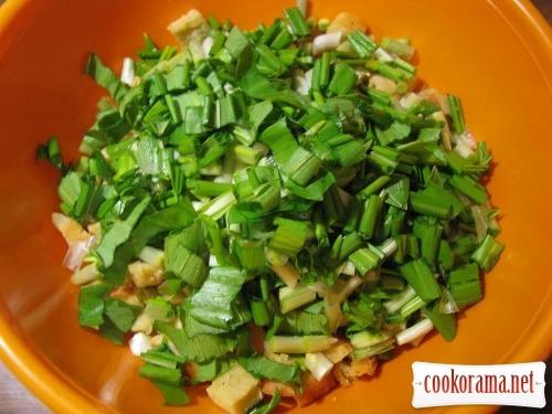 Салат з черемшею і омлетом