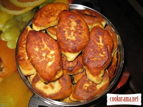 Patties from kefir dough with juicy filling