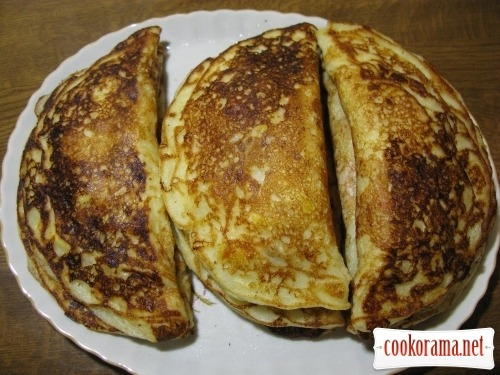 Unusual chebureks from pancakes