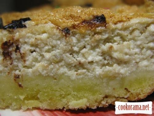 Песочный пирог с творогом, бананами и безе