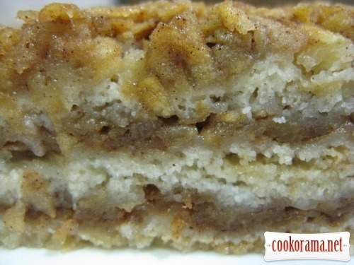 Незвичайний, насипний яблучний пиріг