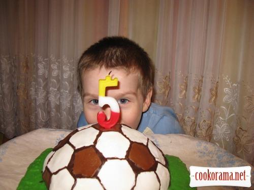 Торт «Футбольний м'яч»