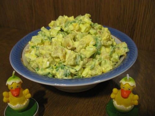 Салат с черемшой и омлетом