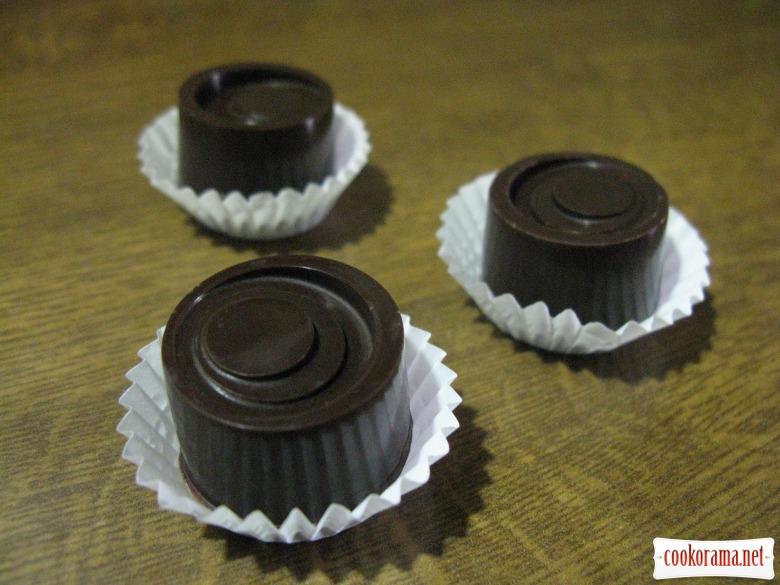 Шоколадні цукерки з згущеним молоком