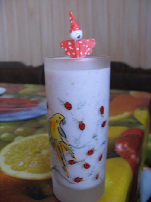 Карамельно-фруктовый (ягодный) коктейль