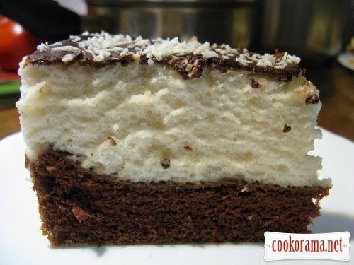 """Торт """"Птичье молоко"""" с фруктами и шоколадом"""