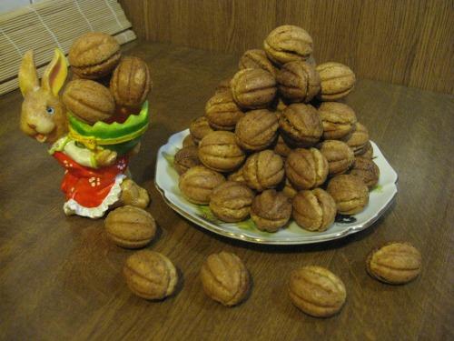 Горішки з горіхового тіста