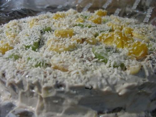 """Торт """"Фрукти під снігом"""""""