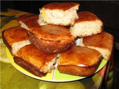 Sweet buns with apple juice and stuffing