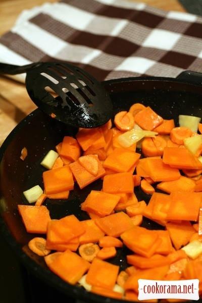 Pumpkin-ginger soup