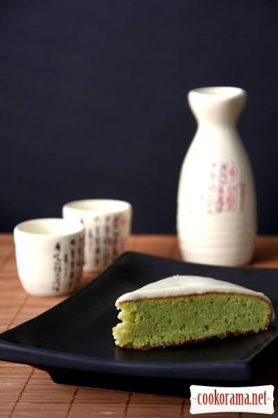 Cake with green tea