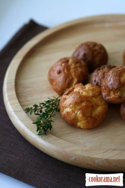Gougeres - cheese pies