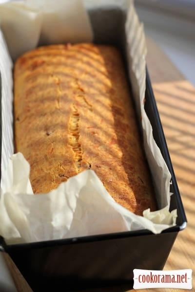 Сырный кекс с беконом и каштанами