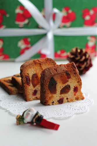 Classical Christmas cake
