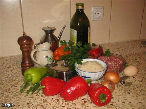 Перець начинений рисом та м'ясом