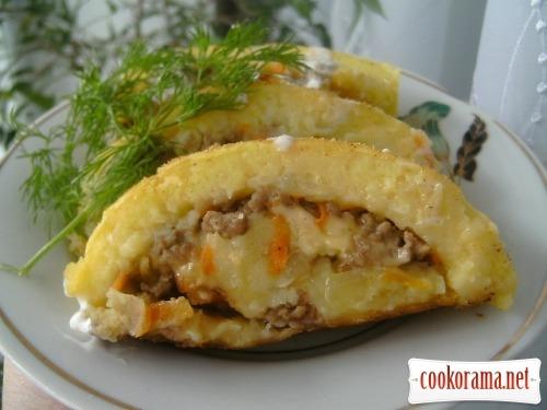 Картофельный рулет с мясным фаршем