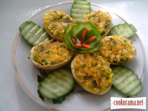 Горячие фаршированные яйца