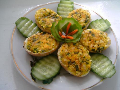 Гарячі фаршировані яйця