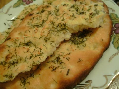 Фокачча с укропом и солью