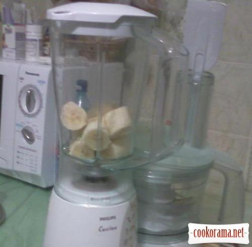 Бананово-молочний коктель