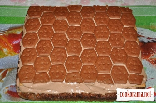 Шоколадно-крекерний торт