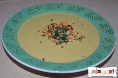 Puree-soup with lentils in coconut milk