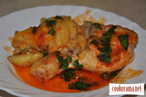 Курица в томатном соусе с грибами и картофелем