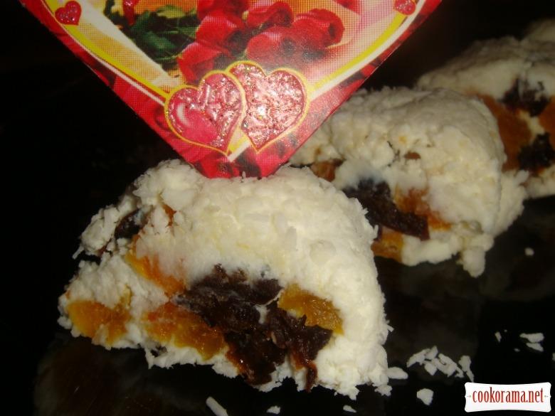Кокосово-творожный ролл с сухофруктами
