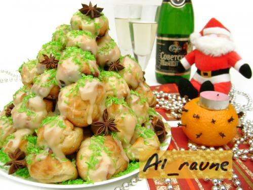 Croquembouche «New Year's Christmas Tree» :)