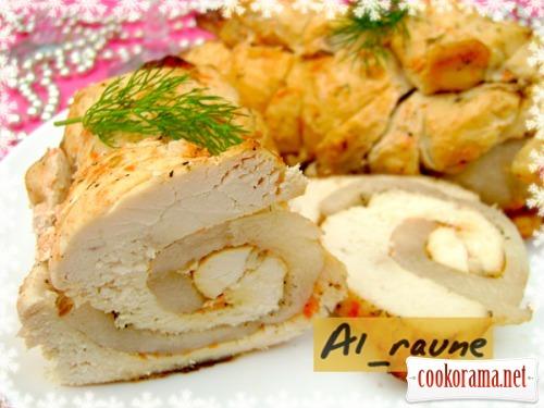 Праздничный рулет из куриного филе, маринованного в томатно-йогуртовом маринаде!