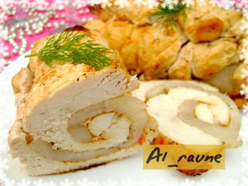 Святковий рулет з курячого філе, маринованого в томатно-йогуртовому маринаді!