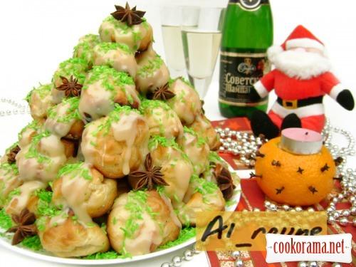 "Croquembouche ""New Year's Christmas Tree"" :)"