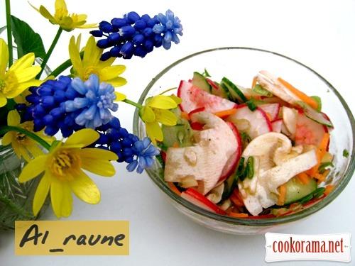 Весняний овочевий салат зі свіжими шампіньйонами