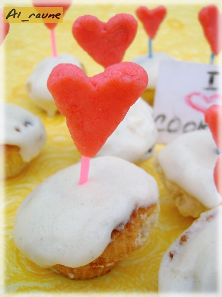 "Cakes with white chocolate and rosemary... ""Sweet valentine cards""!"