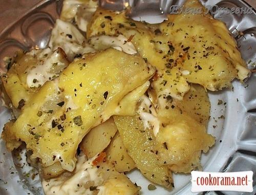 Картофель с пряными травами под сыром
