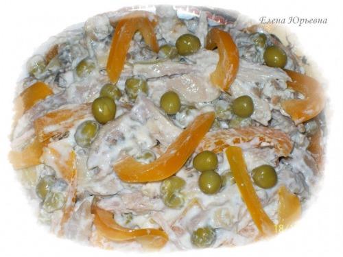 Салат з куркою гриль