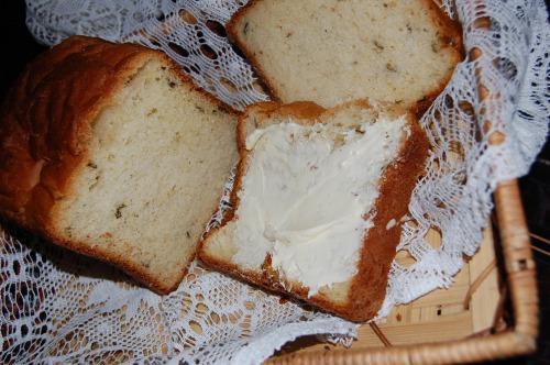 Хліб з картоплею і зеленою цибулею