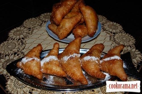 Жареные пирожные