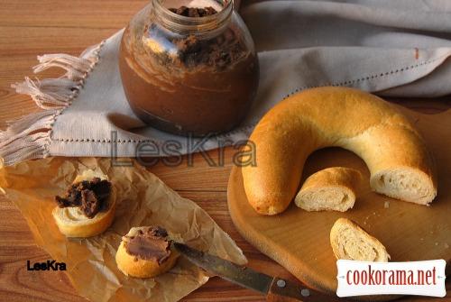 Корисна шоколадно-горіхова паста